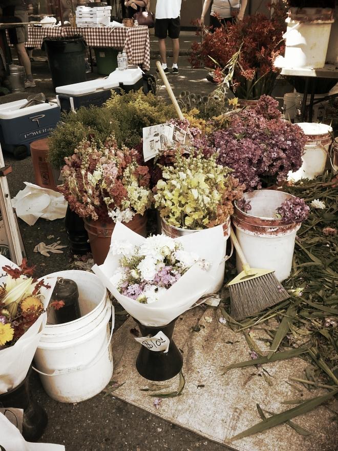 Edmonds Farmer's Market - The Kitchen Bistro
